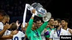 UEFA ခ်န္ပီယံဖလား Real Madrid ဆြတ္ခူး
