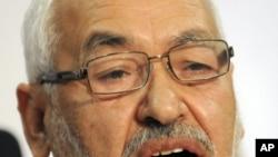 奉行温和伊斯兰主义的伊斯兰复兴运动党领导人加努奇10月28日向媒体发表讲话