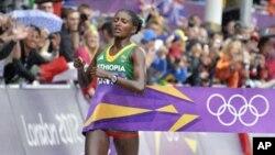 2012년 런던올림픽 여자 마라톤 경기에서 2시간 23분 07초의 올림픽 신기록으로 금메달을 차지한 에티오피아 티키 젤레나 선수