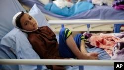 کودکی که در حمله هوایی ائتلاف عربستان در صعده مجروح شده است - آرشیو