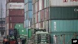 ap_china_economy_trade_02Mar11-resized1