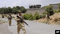 По укинувањето на помошта, Пакистанците во посета на САД