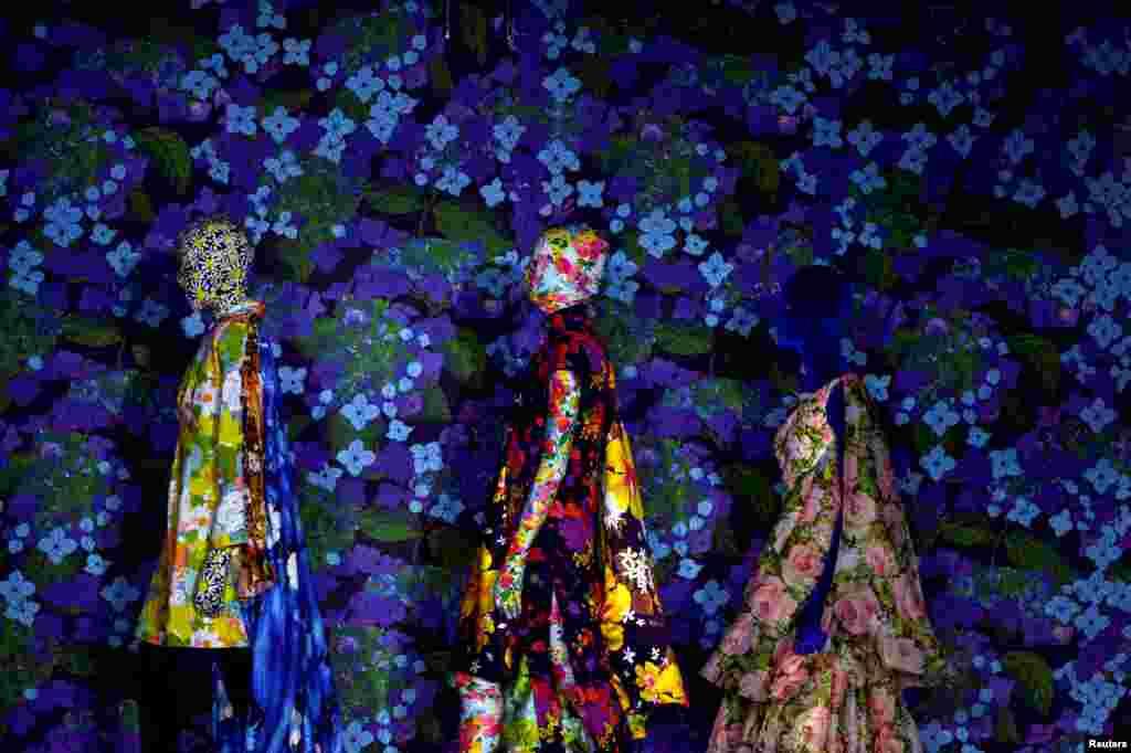 런던 패션위크에서 디자이너 리처드 퀸의 2018 봄/여름 컬렉션 패션쇼가 열렸다.