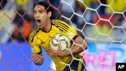 Radamel Falcao y su selección Colombia tienen mucho que celebrar al ser considerado cabeza de serie en el mundial de Brasil.