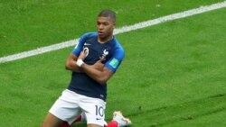 SPORTS: Coupe du Monde demi finale France-Belgique