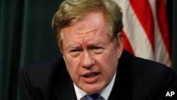 Ông Robert King, Đặc phái viên Bộ Ngoại giao Mỹ cho Vấn đề Nhân quyền Bắc Triều Tiên, cho biết việc phóng thích này có thể là một phần trong nỗ lực của Bình Nhưỡng theo đuổi quan hệ tốt hơn với Washington.