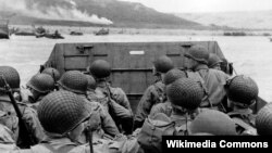 Binh sĩ Mỹ đổ bộ vào bãi biển Omaha, ngày 6/6/1944.