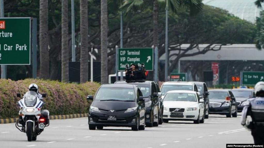 En la imagen, la carabana que escolta al líder norcoreano Kim Jong Un, en Singapur, el 10 de junio de 2018. REUTERS/Athit Perawongmetha