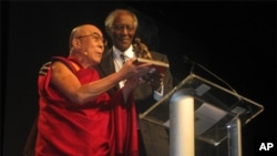 Reverend Damon Lynch, Jr. presents His Holiness the Dalai Lama with the lnternational Conductor Award on October 20th. 2010.