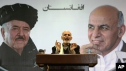 آقای احمدزی می گوید برای تامین صلح، منبر و ارگ باید در یک جهت کار کند