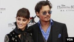 Los protagonistas de la película, Johnny Depp y Penélope Cruz durante el Festival Internacional de Cine de Cannes.