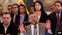 Las declaraciones de Ramos Allup fueron ofrecidas durante una Asamblea de Ciudadanos, donde además destacó que con lo único que ha cumplido el gobierno, es con la liberación del diputado Rosmit Montilla.