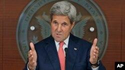 Le secrétaire d'Etat John Kerry parle de la Syrie, frustré des mois de conversations et du peu d'actions, à Washington, 12 juillet 2016.