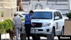 화학무기금지기구 조사단을 태운 유엔 차량이 14일 시리아 다마스쿠스에 도착했다.