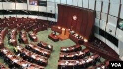 香港特首梁振英在立法會發表《施政報告》