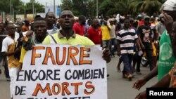 Un manifestant dans Lomé, Togo, le 6 septembre 2017.