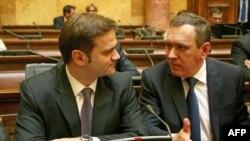 Ministar za Kosovo i Metohiju Goran Bogdanović i šef Srpskog pregovaračkog tima za Kosovo Borko Stefanović u Domu Narodne skupštine gde je nastavljena sednica Odbora za Kosovo i Metohiju