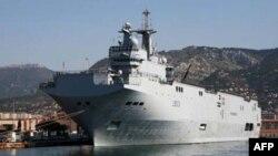 Un Mistral, porte-hélicoptères dont la livraison à la Russie a été suspendue par la France (AFP)