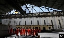 زندانیان در زندان «سن کونتین» کالیفرنیا - سازمان دهنده اعتصاب، خود زندانیان هستند