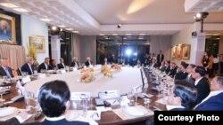 """Presiden AS Barack Obama Senin malam (15/2) menjamu sepuluh pemimpin negara/pemerintahan ASEAN dalam """"working dinner"""" di Sunnylands Historic Home."""