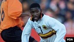 Chinho, jogador da selecção nacional de Angola