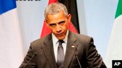 Tổng Thống Obama đã loan báo các quy định về cắt khí thải carbon từ các nhà máy vào tháng 8 năm ngoái.