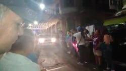 Salvadoreños saludan caravana del presidente electo Nayib Bukele