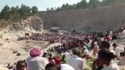 Madagascar: messe de la Toussaint célébrée en plein air (vidéo)