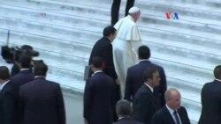 Papa pide abrir puertas a los divorciados