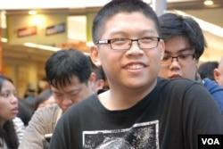參與佔領旺角行動的14歲網民黃家豪表示,行動是針對大陸自由行遊客太多