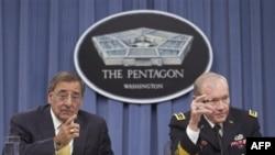 Američki sekretar za odbranu Lion Paneta (levo)