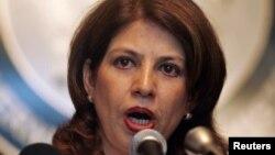 Phát ngôn viên Bộ Ngoại giao Pakistan Tasnim Aslam phát biểu tại cuộc họp báo tại Bộ Ngoại giao ở Islamabad.