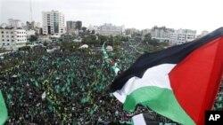 8일 가자 지구에서 열린 하마스 창설 25주년을 기념 집회 장면