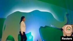 Thủ tướng Thái Lan Yingluck Shinawatra lên sân khấu để khai mạc hội nghị CITES, 3/3/13