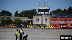 Türkiye'den sınırdaşı edilen 38 yaşındaki Lisa Smith Dublin Havalimanı'nda polis tarafından gözaltına alındı.
