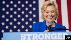 Kandidat presiden AS dari Partai Demokrat Hillary Clinton dalam kampanye di Charlotte, North Carolina (8/9).