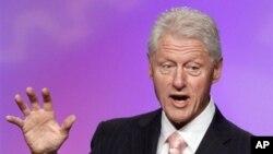 Mantan Presiden AS Bill Clinton memberikan saran bagi Presiden Obama.