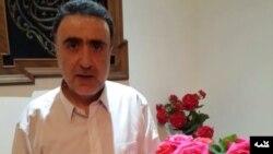 عکسی که سایت کلمه بعد از آزادی آقای تاجزاده در منزل او منتشر کرده است.