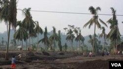 Banjir lahar dingin merapi menerjang desa-desa di Kabupaten Magelang, Jawa Tengah.