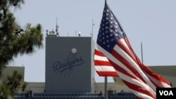 El Dodger Stadium, la casa de Los Angeles Dodgers, equipo que ha recibido una oferta de un grupo inversor financiado por el gobierno chino.