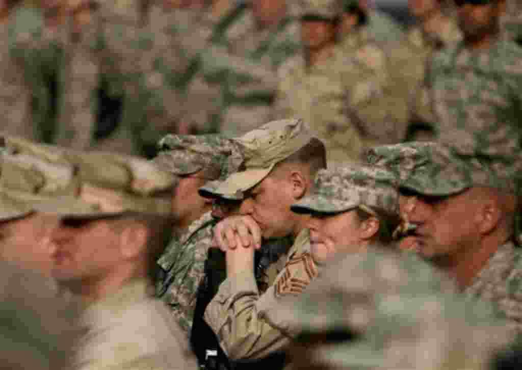 Desde en 1954, el Día del Armisticio, el 11 de noviembre, dedicado a honrar a los veteranos de la I Guerra Mundial, se convirtió en un día para honrar a los veteranos estadounidenses de todas las guerras.