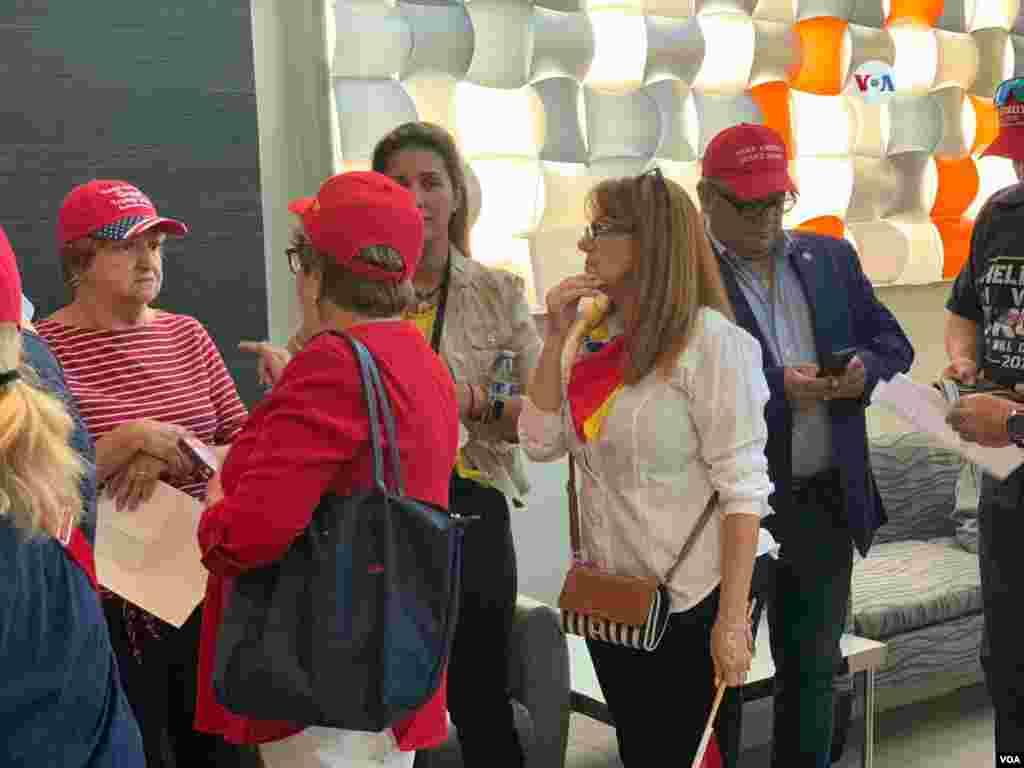 El estado de Florida es el hogar de más de 2 millones de votantes latinos registrados. La campaña de Trump ha indicado que cree tener una gran oportunidad con estos votantes debido a las políticas económicas del presidente, las cuales han aumentado el número de empleos para latinos.