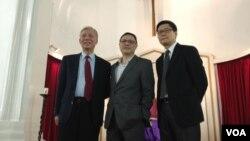 三位香港佔領中環爭取普選運動倡議者,朱耀明牧師(左起)、香港大學學者戴耀廷、香港中文大學學者陳健民.