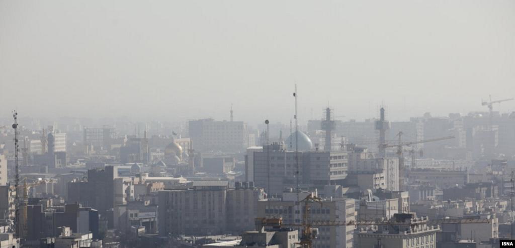 مشهد در آلودگی هوا عکس: حسین حسینزاده