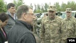 Встреча Курта Волкера с украинскими военными