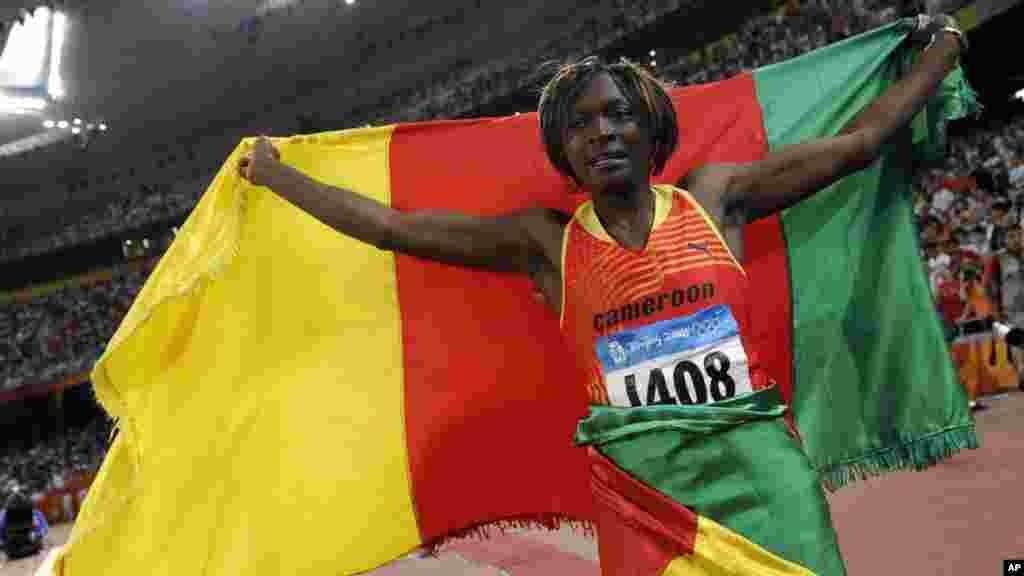 Françoise Mbango Etone, 40 est une athlète camerounaise, spécialiste du triple saut, elle à remporté la médaille 2 fois dans les jeux olympiques ( Athènes 2004), (Bejing 2008).