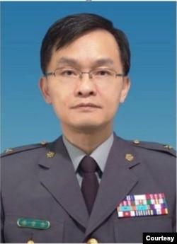 前台湾国防大学政治作战学院院长余宗基将军 (照片本人提供)