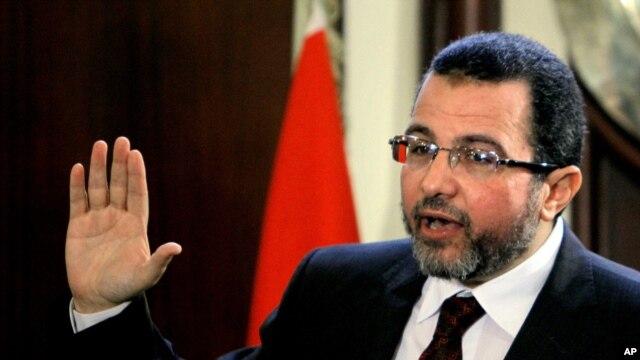 Perdana Menteri Mesir Hesham Kandil di Kairo, Mesir (30/12).