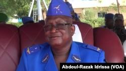Le général Souleymane Salou, ancien chef d'état-major et ex-membre de la junte - présumé auteur du coup d'Etat de 2010, lors d'une cérémonie à Niamey, Niger, 2015. (VOA/Abdoul-Razak Idrissa)