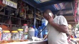 Le business du téléphone public disparaît au Burundi (vidéo)